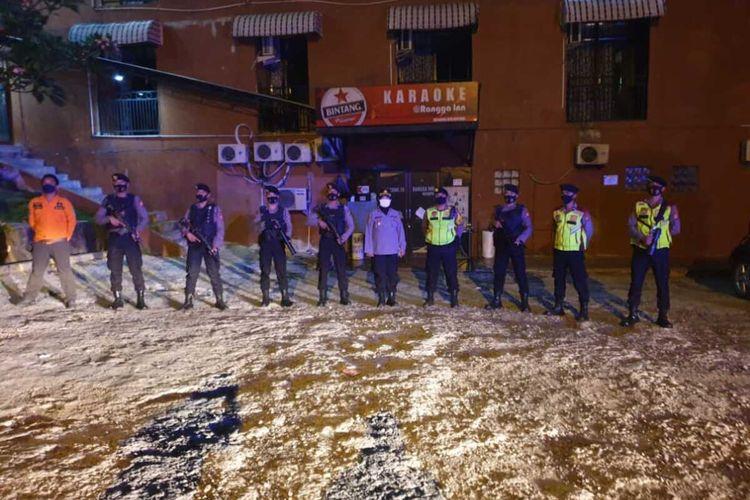 Gugus Tugas Covid-19 Kabupaten Subang memergoki tempat karaoke buka di tengah pandemi saat razia gabungan, Kamis (20/8/2020) malam.