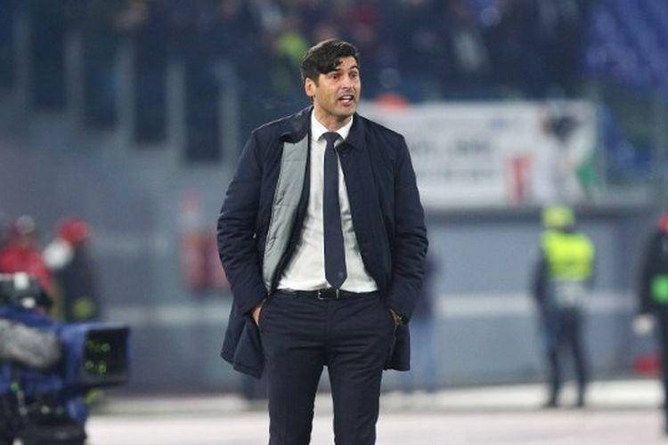 Pelatih kepala Roma, Paulo Fonseca memberi isyarat selama pertandingan Liga Eropa UEFA, pertandingan Grup J antara AS Roma dan Wolfsberg AC