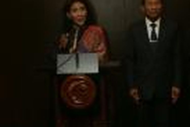 Menteri Perikanan dan Kelautan Susi Pudjiastuti dan Menteri PertanianThailand Chatchai Sarikulya