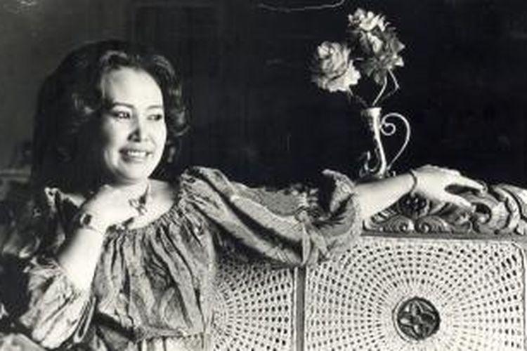 Djujuk Djuariah, artis komedi dari grup Srimulat diabadikan di Jakarta pada 20 Maret 1985.