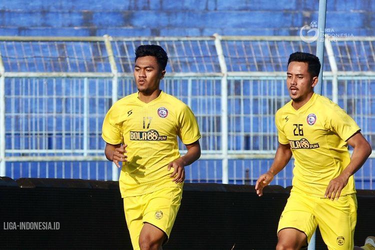 Rizky Dwi Febrianto latihan perdana bersama Arema FC jelang dilanjutkannya Liga 1 2020 di Stadion Kanjuruhan Malang, Jawa Timur, Senin (14/09/2020) sore.