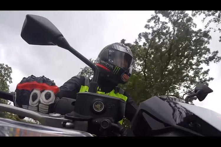 Enam kali juara dunia World Superbike, Jonathan Rea baru saja berhasil lolos ujian dan mendapatkan SIM