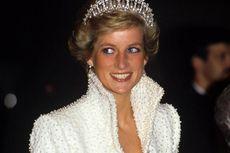 Mengenal Desainer Kesayangan Keluarga Kerajaan Inggris...