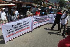 Tolak Eksekusi Lahan, Warga di Ambon Blokade Jalan Jenderal Sudirman