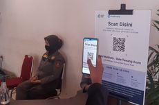 Masuk Lobi Wali Kota Solo, Tamu Wajib Scan Barcode PeduliLindungi