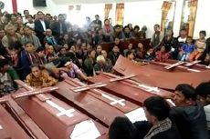 8 Korban Longsor di Toba Samosir Dimakamkan Dalam 2 Liang Lahat