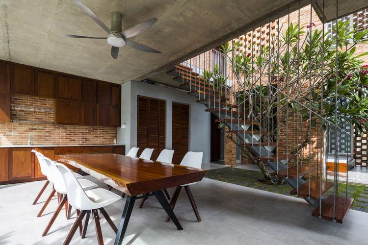 Rumah berkonsep terbuka di dekat pantai timur, Vietnam.