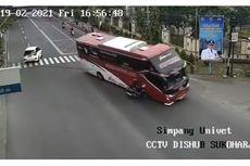 Viral, Video Bus Terobos Lampu Merah hingga Tabrak Pengendara Motor di Sukoharjo