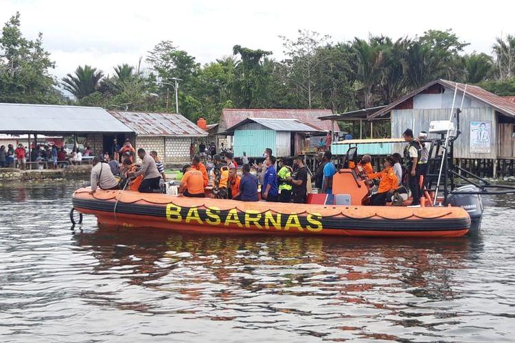 Pesawat perintis milik Mission Aviation Fellowship (MAF) jatuh di Danau Sentani, Kabupaten Jayapura, Senin (12/5).