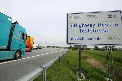 Jerman Pertama Kali Uji Coba Operasi Jalan Tol Listrik