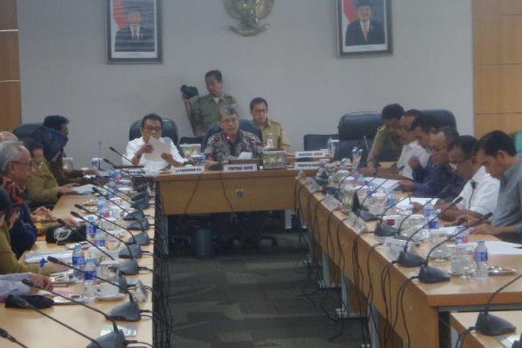 Usai mencabut boikot, DPRD DKI Jakarta dan Pemprov DKI melakukan rapat untuk penambahan biaya pembangunan MRT di Gedung DPRD DKI Jakarta, Selasa (7/3/2017)
