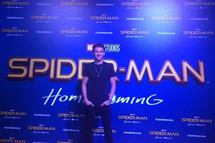 Tom Holland dalam jumpa penggemar di acara karpet merah film Spider-Man: Homecoming di ArtScience Museum, Marina Bay Sands, Singapura, Rabu (7/6/2017). Dalam film itu, Tom berperan sebagai Peter Parker.