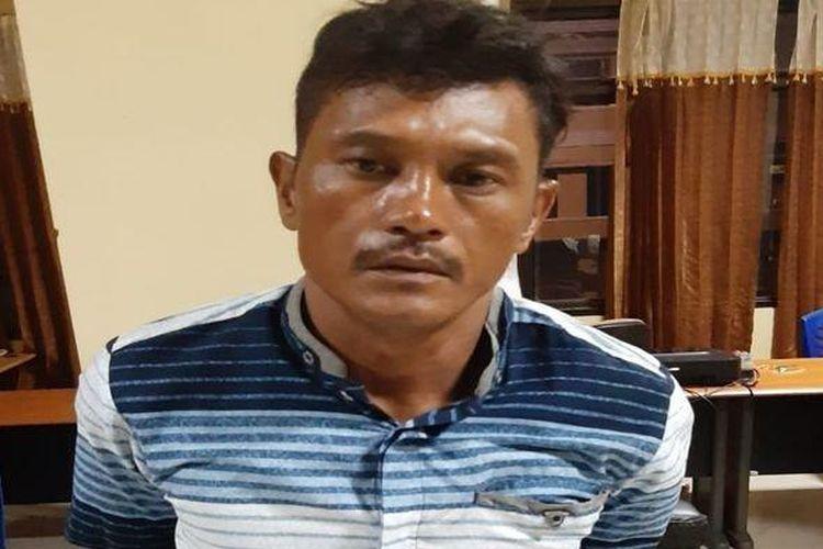 Alwi, anggota komplotan perampok yang sudah 6 tahun buron , memilih menyerahkan diri karena takut mati ditembak.