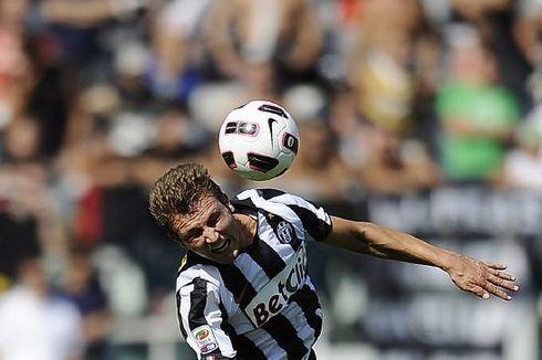 Eks Bek Juventus dan Roma Marco Motta Resmi Gabung Persija Jakarta