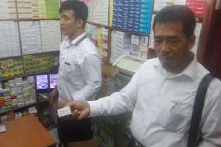 Sidak Peredaran Obat Kadaluarsa di Pasar Pramuka, BPOM Temukan Obat Kadaluarsa Sejak 2013, Rabu (7/9/2016)