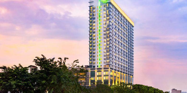 Holiday Inn & Suites Jakarta Gajah Mada.