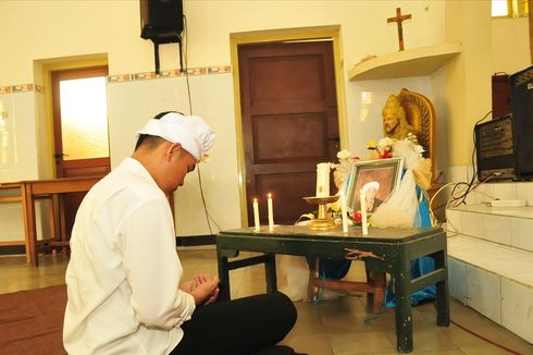 Dari Gereja Katolik di Mojokerto, Pemuda Lintas Iman Lantunkan Doa untuk Mbah Moen