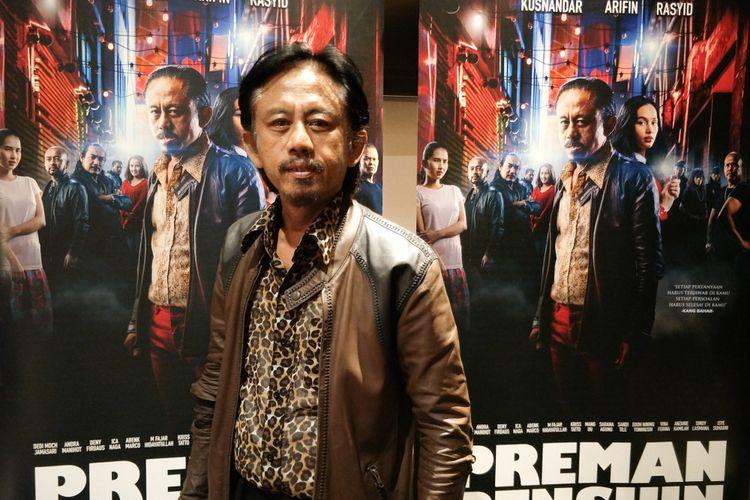 Artis peran Epy Kusnandar dalam gala premiere film Preman Pensiun di XXI Epicentrum, Jakarta Selatan, Kamis (10/1/2019).