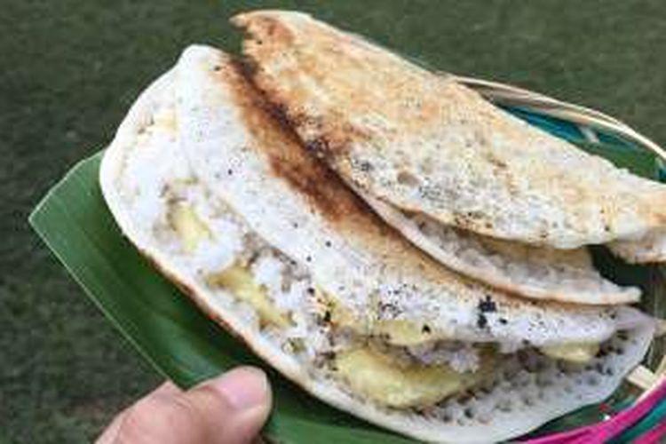 Laklak Pisang, kuliner khas Kecamatan Penebel, Kabupaten Tabanan, Bali.