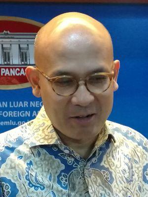 Juru Bicara Kemenlu Arrmanatha Nasir di Kantor Kementerian Luar Negeri, Jakarta, Kamis (9/11/2017).