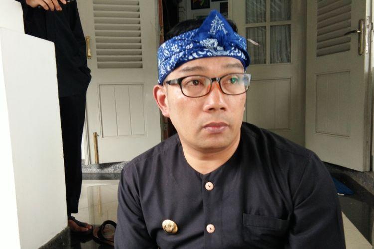 Bakal Calon Gubernur Jawa Barat Ridwan Kamil saat ditemui wartawan di Pendopo Kota Bandung, Jalan Dalemkaum, Rabu (30/8/2017)