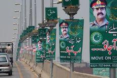 Poster dan Spanduk yang Menyerukan Kudeta Militer Bermunculan di Pakistan