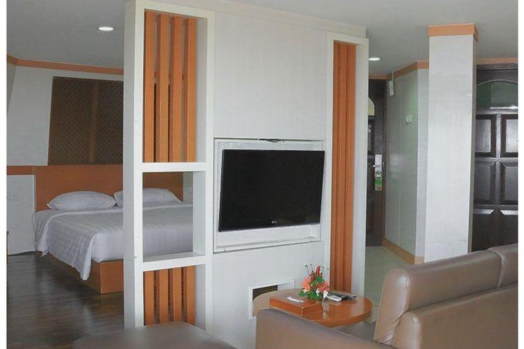 Hotel di Jakarta - Kamar tipe Executive Suite di Putri Duyung Resort, Jakarta Utara.