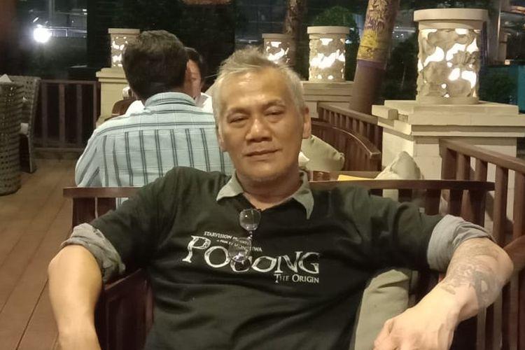 Tyo Pakusadewo menghadiri screening film Pocong the Origin di XXI Epicentrum, Kuningan, Jakarta Selatan, Kamis malam (11/4/2019).