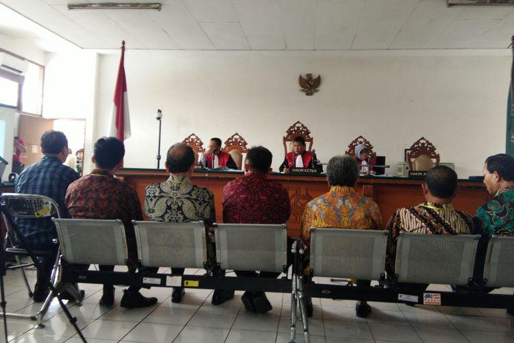 Delapan saksi dari Pemkab Bekasi dan Pemprov Jabar dihadirkan dalam sidang suap perizinan Meikarta di Pengadilan Negeri Tindak Pidana Korupsi Bandung, Jalan LRE Martadinata, Senin (28/1/2019).