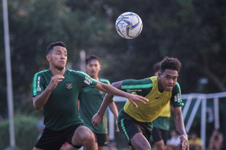 Timnas U-19 Indonesia saat berlatih di Lapangan Sidakarya, Bali, Sabtu (19/10/2019).