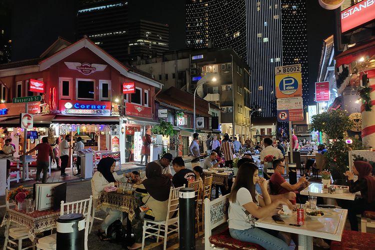 Salah satu sudut kota Singapura saat malam hari di daerah Haji Lane. Foto diambil menggunakan Night Mode di ponsel Vivo V17 Pro.