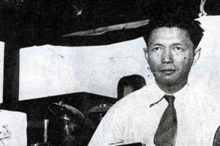 Laksamana Muda TNI Jahja Daniel Dharma atau yang dikenal John Lie. Ia adalah pejuang keturunan Tionghoa yang dianugerahi Gelar Pahlawan Nasional dan Bintang Mahaputera Adipradana oleh pemerintah Indonesia.