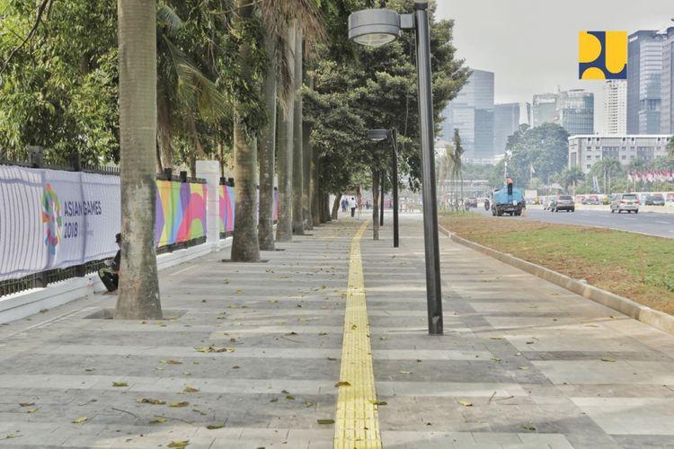 Jalur trotoar di koridor Jalan Sudirman-Thamrin.