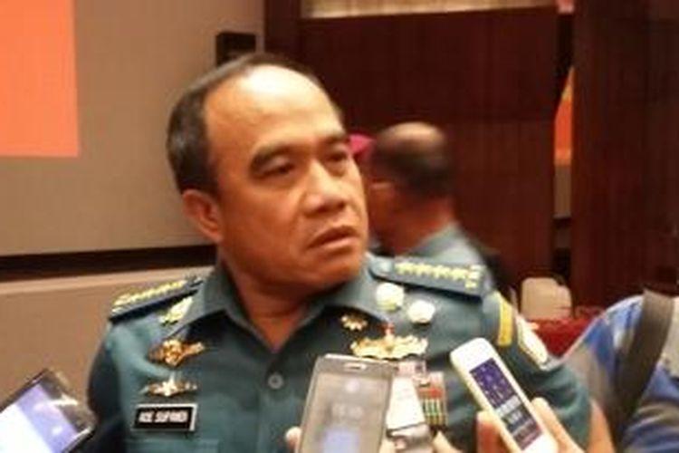 Kepala Staf TNI Angkatan Laut Laksamana Ade Supandi, saat ditemui di Mabes TNI Cilangkap, Jakarta, Rabu (13/5/2015).