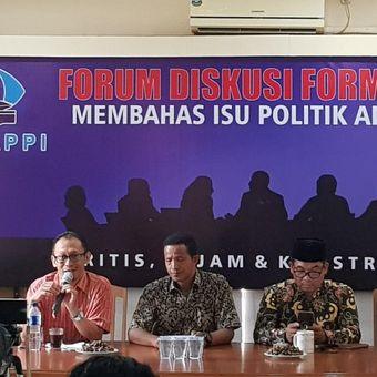 Pengamat Politik Exposit Strategic Arif Susanto saat menjadi pembicara di diskusi Formappi, Minggu (1/9/2019).
