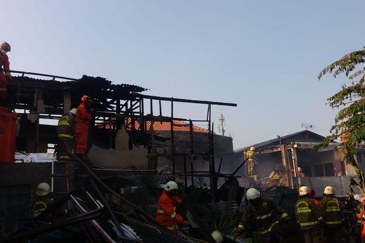 Sebanyak empat rumah di Jalan Kirai Gg 13, Cipete Utara, Kebayoran Baru, Jakarta terbakar pada Rabu (23/9/2020) pukul 15.18 WIB.