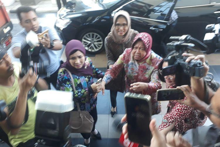 Wali Kota Surabaya Risma hadiri pemeriksaan sebagai saksi pelapor kasus YKP Surabaya, Kamis (20/6/2019)