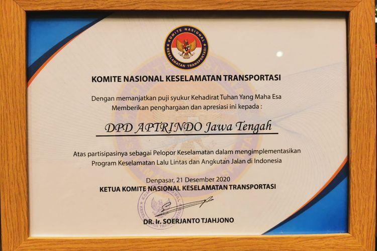Penghargaan dari KNKT untuk Aptrindo Jateng dan DIY