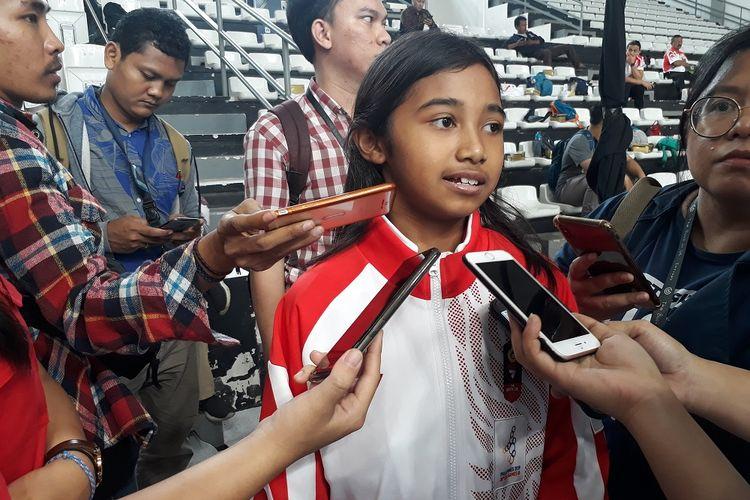 Kyandra Kaelani Susanto, atlet skateboard sekaligus atlet termuda di kontingen Indonesia, saat diwawancarai awak media di Hall Basket Gelora Bung Karno, Senayan, Jakarta, Rabu (27/11/2019).