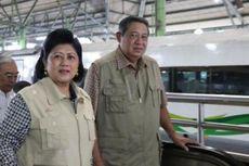 Abu Letusan Kelud Masuk ke Kereta, SBY Pakai Masker