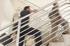 9 Alasan Sehat Pilih Naik Tangga Ketimbang Lift