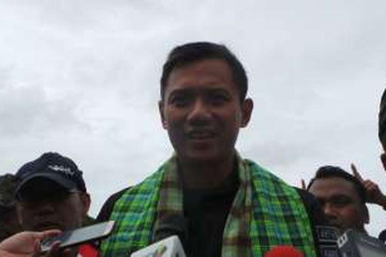 Calon gubernur DKI Jakarta Agus Harimurti Yudhoyono, saat berkampanye di kawasan Cengkareng Timur, Jakarta Barat, Senin (5/12/2016).