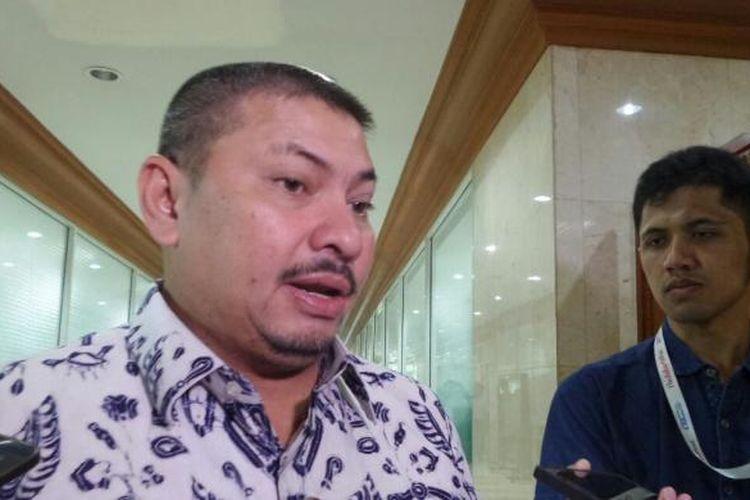 Wakil Ketua Komisi III DPR dari Fraksi Partai Amanat Nasional (PAN), Mulfachri Harahap di Kompleks Parlemen, Senayan, Jakarta, Senin (6/2/2017).