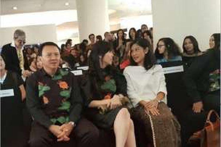 Gubernur DKI Jakarta Basuki Tjahaja Purnama atau Ahok unggah foto bareng dirinya bersama sang istri Veronica Tan dan artis peran Dian Sastro