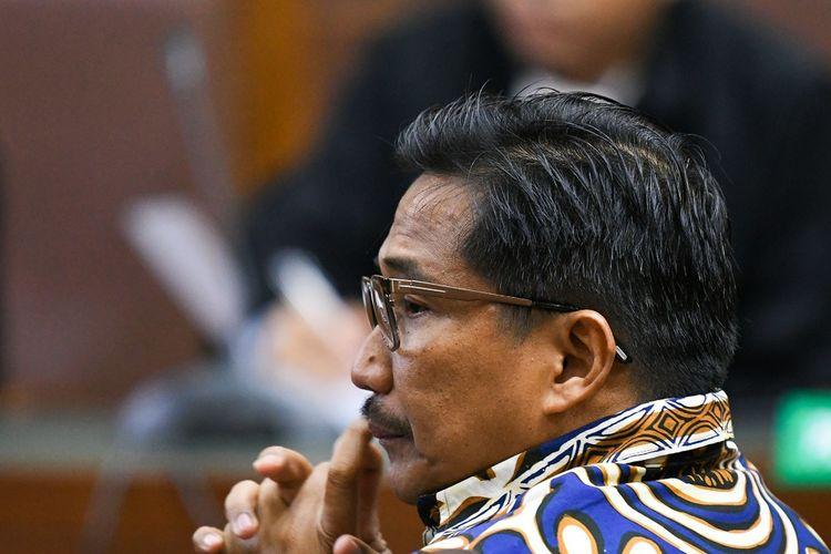 Terdakwa kasus dugaan suap dan gratifikasi Bowo Sidik Pangarso menjalani sidang lanjutan di Pengadilan Tindak Pidana Korupsi, Jakarta, Rabu (20/11/2019). Sidang tersebut beragendakan pembacaan nota pembelaan pribadi (pledoi). ANTARA FOTO/M Risyal Hidayat/pras.