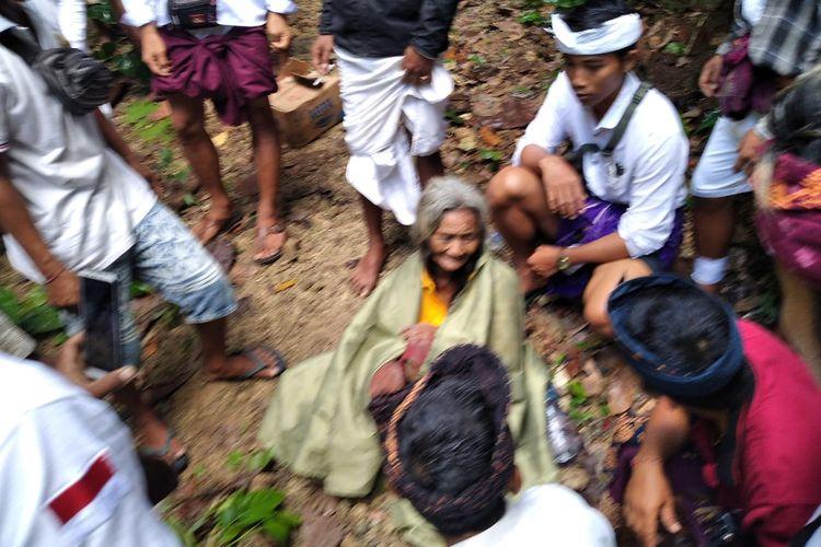 Warga setelah menyelamatkan Lansia berusia 70 tahun bernama Cukri sempat dilaporkan hilang selama10 hari.