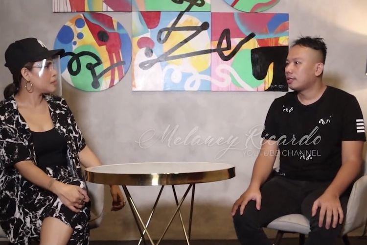 Melaney Ricardo dan Vicky Prasetyo yang tengah menceritakan proses ditahan. (Bidikan layar YouTube Melaney Ricardo).
