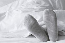 Pakai Kaus Kaki Bikin Tidur Lebih Nyenyak, Apa Alasannya?