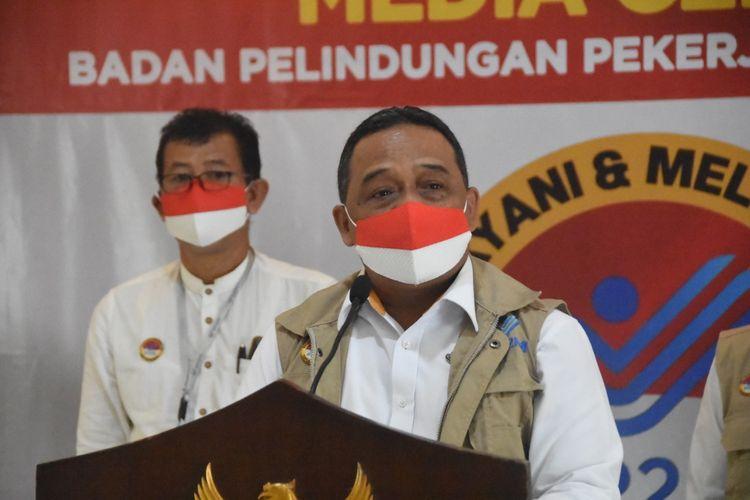 Kepala BP2MI Benny Rhamdani dalam konferensi pers penggagalan tujuh calon PMI yang diduga akan diberangkatkan secara non-prosedural sebagai penata laksana rumah tangga (PLRT) ke negara Timur Tengah pada Kamis (24/9/2020).