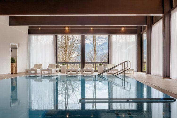 Intip Hotel Mewah Tempat Raja Thailand Isolasi Diri dengan 20 ...